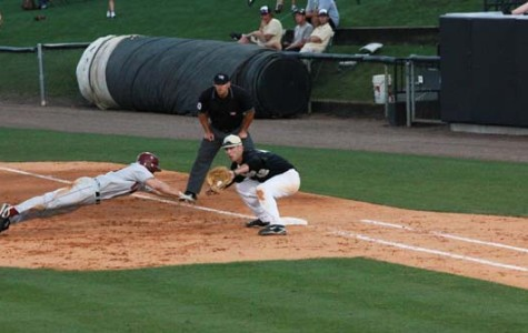 UCF Knights clinch series; will look to sweep series Sunday