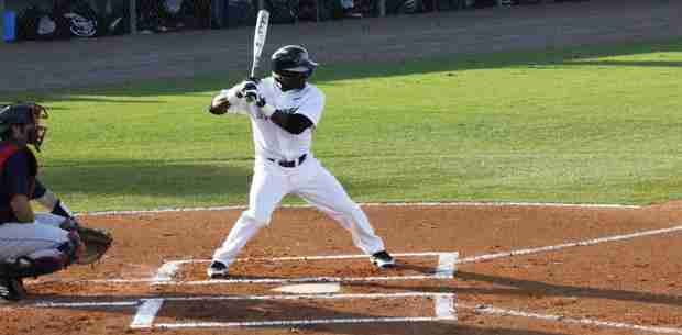 No. 10 UCF Knights beat FAU Owls 12-3 in mid week game