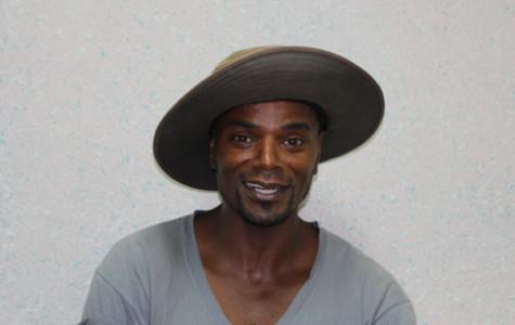 Homeless man sues Valencia