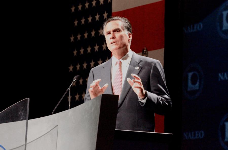 Romney+in+Orlando%2C+addresses+NALEO+members