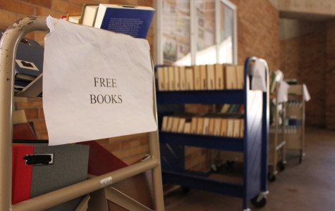Free book carts come to Valencia