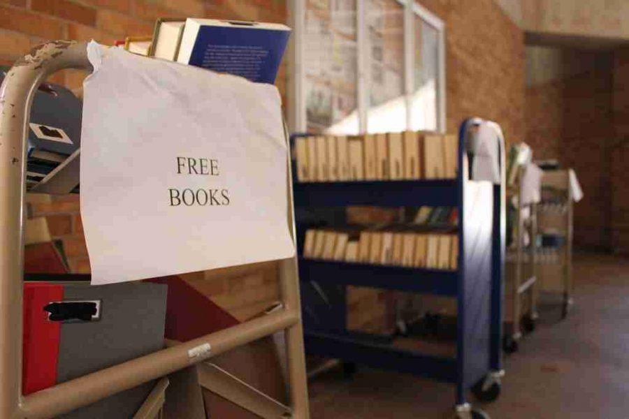 Free book carts come to Valencia