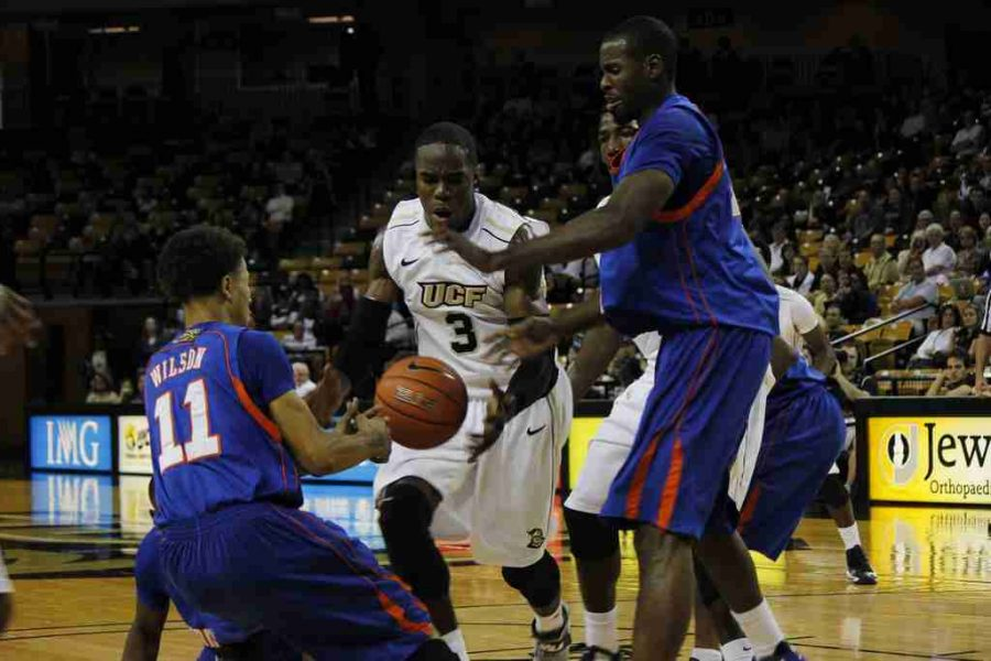 UCF Knights win third straight