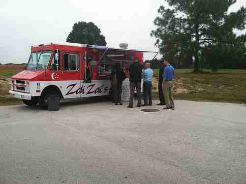 Zai Zai's food truck gives students choices, cafeteria alternative