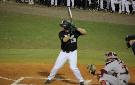 Knights sweep series from Eagles, comeback victory 7-6