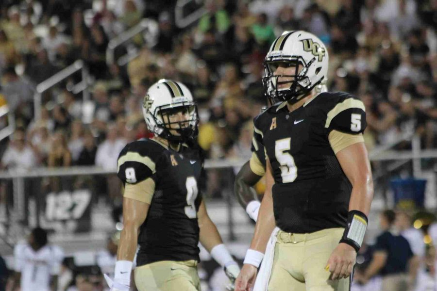 UCF+quarterback+Blake+Bortles+%28right%29+has+the+third+best+Total+QBR+in+the+nation+through+Week+4.