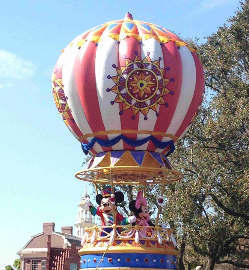 Magic+Kingdoms+debuts+new+Disney+Festival+of+Fantasy+Parade