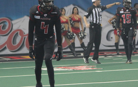 Greg Carr played both offense and defense for the Predators on Saturday against the Storm.