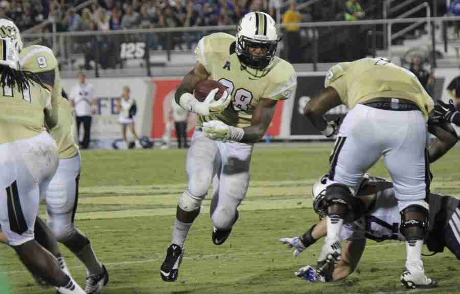 William+Stanback+had+a+career-high+141+yards+and+two+touchdowns+in+UCF%27s+loss+to+UConn.