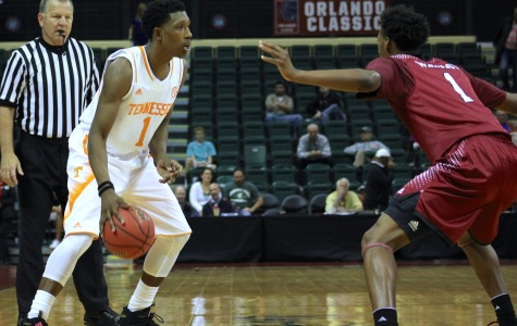 Josh Richardson scored a team leading 18 points for Tennessee in the Volunteers win over Santa Clara.