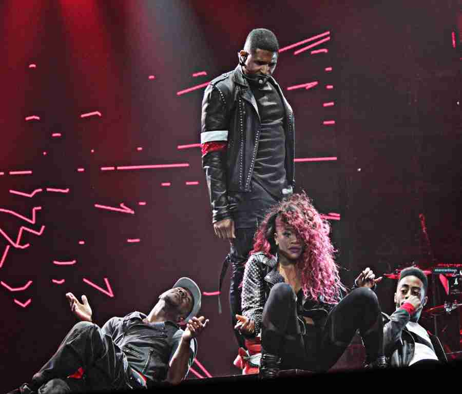 Usher+performing+at+%22URX+Tour%2C%22+in+Orlando%2C+Florida+on+Friday%2C+Dec.+12.+%28Ty+Wright+%2F+Valencia+Voice%29