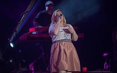 Kelly Clarkson performing live at Universal Orlando Mardi Gras, in Orlando, Florida on Saturday, Feb. 21, 2015. (Ty Wright / Valencia Voice)