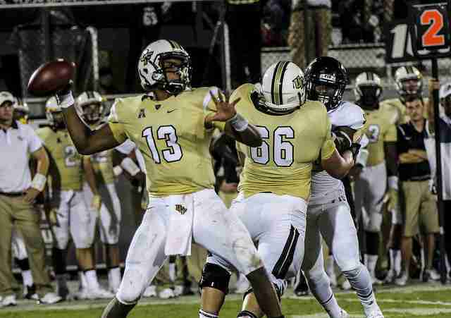 UCF+quarterback+Justin+Holman+led+the+Gold+team+to+a+21-10+victory+in+the+Spring+Game.+
