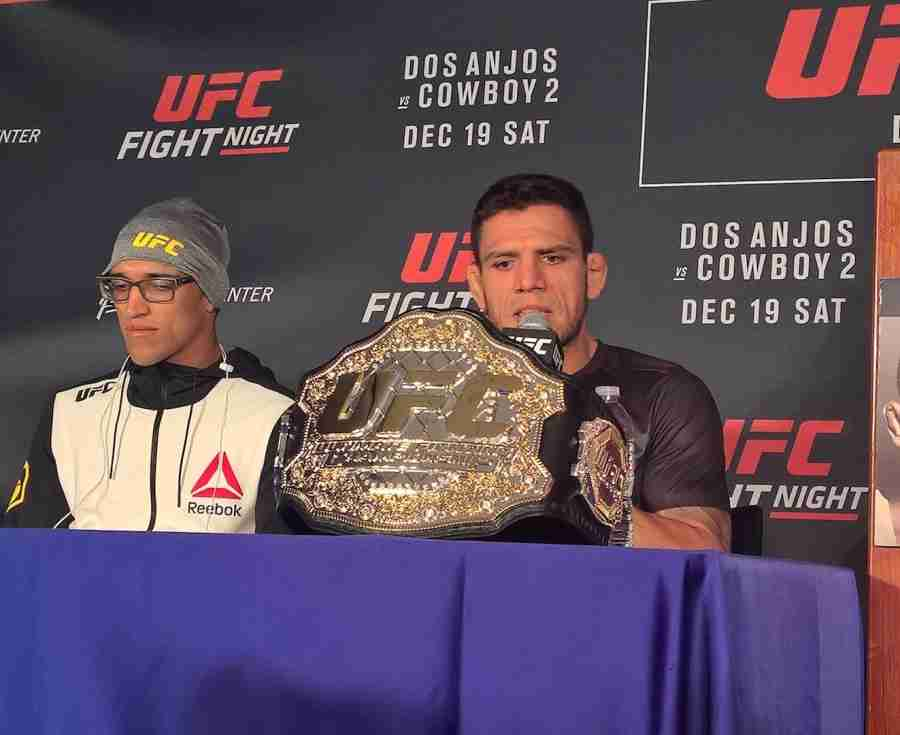 Rafael+Dos+Anjos+successfully+defended+his+UFC+lightweight+title+on+Saturday+against+Donald+Cerrone.
