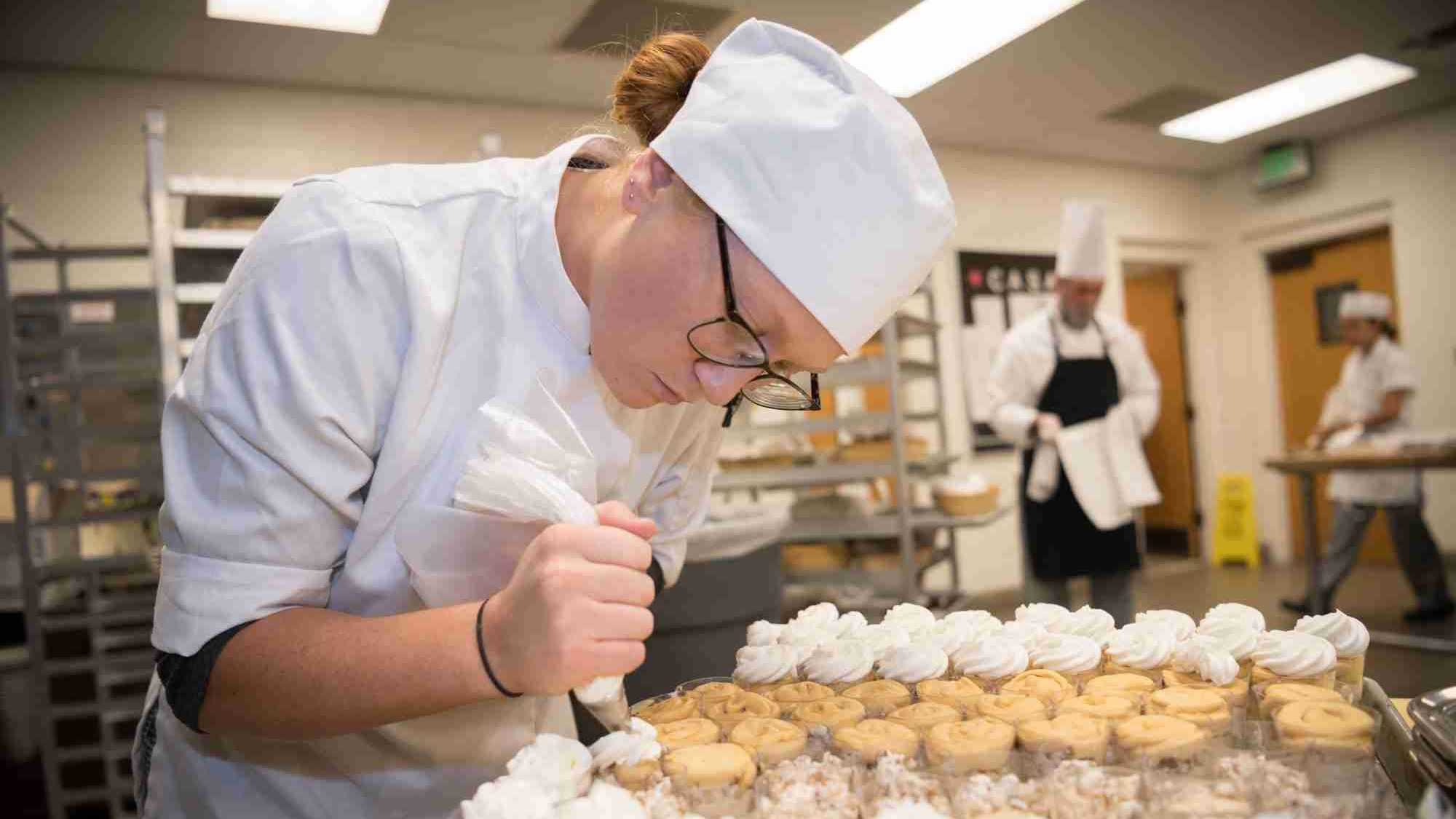 Valencia College Culinary students prepare for the 50th Anniversary of the Grand Buffet – Grand Patisserie at the West Campus