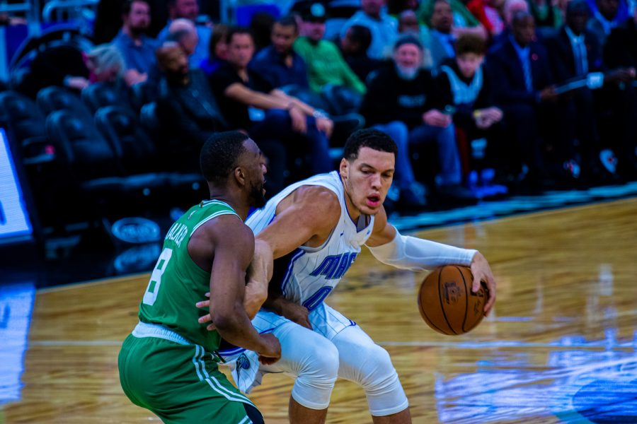 Terrence Ross and Aaron Gordon lead the Orlando Magic past the Minnesota Timberwolves 136-125 for their third straight win.