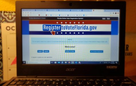 Valencia reminds students to register online